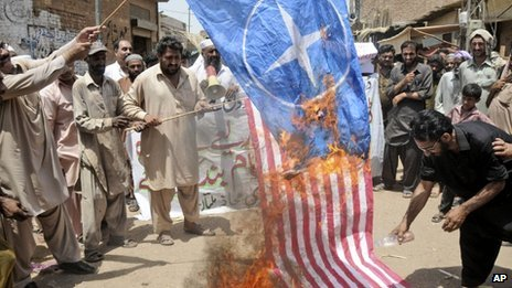 US drone strikes stoke public anger in Pakistan